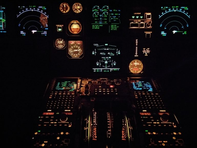 airplane-aviation-cockpit