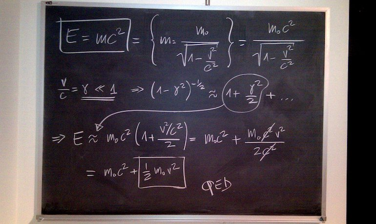 Chalkboard_math_equations